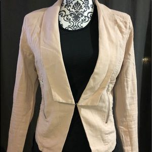 Cute Nude pink short blazer with side pockets.
